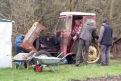 Glade drenge der har fået gang i traktoren!!